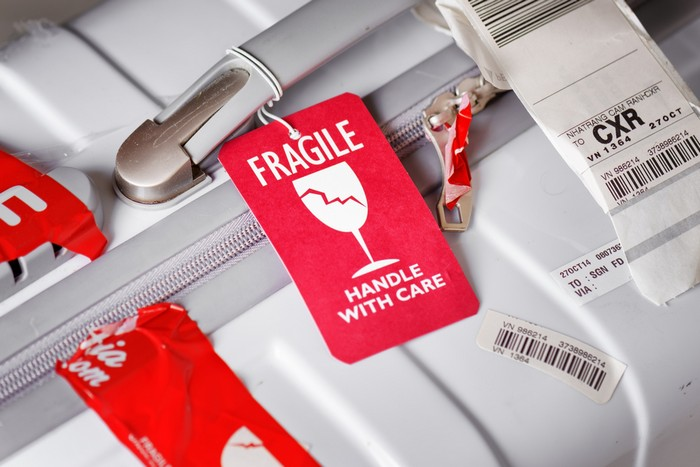 Лайфхак: как получить свой багаж из самолета первым