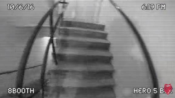 Безумец спрыгнул с 8 этажа и не попал в воду