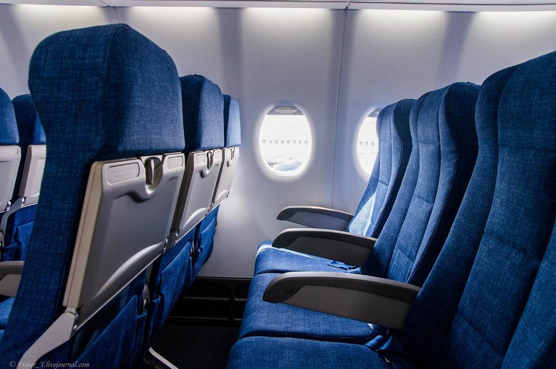 А вы знаете, почему кресла в самолетах всегда синие?